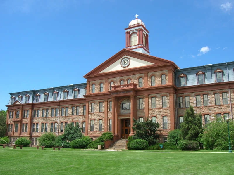 Regis_University-Main_Hall